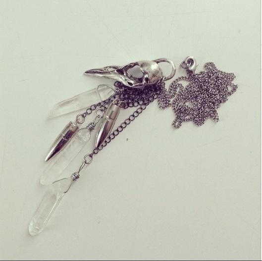 skullcrownecklace